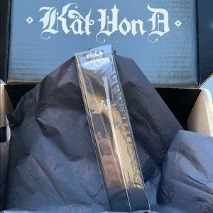 Kat Von d foundation Edge brush